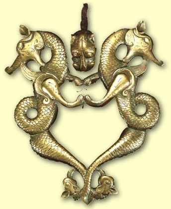 Cizre Ulu Camii kapı tokmağındaki ejder figürü